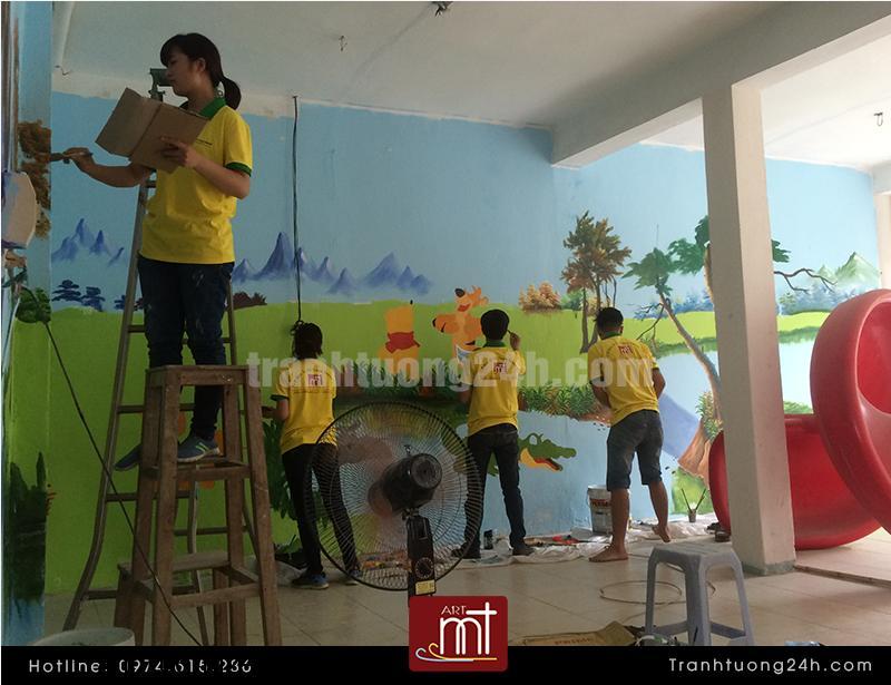 Vẽ tranh tường khu vui chơi cho bé